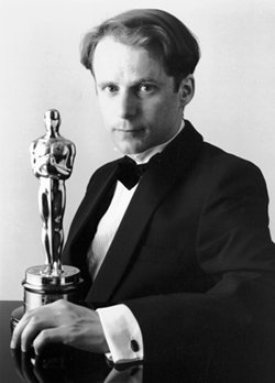 Photo of Nick Park an his Oscar
